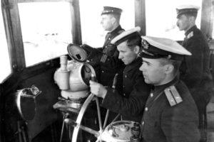 Anatoly Lifshits on the Captain's bridge of the Torpedo boat (Kola Bay 1947)