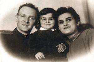 Elena Drapkina, her husband Wolf, and her son Alexander (Leningrad 1949)