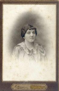 Olga Makhover (Kiev 1910s)
