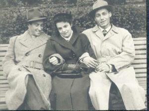 Galina Levina with her friends (Leningrad 1950s)