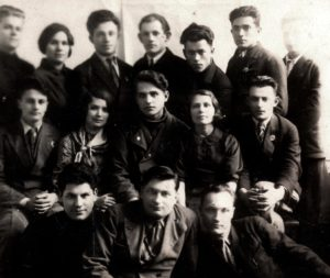 Lev Galper with his co-students (Kharkov 1938)