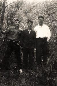 Lev Galper with his friends (Volchansk 1941)