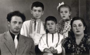 Lev Galper with his family (Moscow 1957)