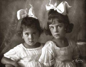 Evgenia Lebenson and Marina Sineokaya (Moscow 1925)