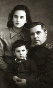 Marina Sineokaya with her son Sergey and husband Pavel Sineokiy (Moscow 1951)
