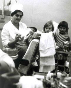 Elena Drapkina at her dentist's office (Leningrad 1973)