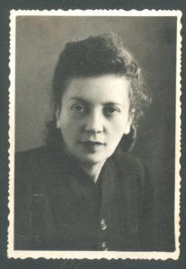 Sonya Peisakh (Chernovtsy 1950s)