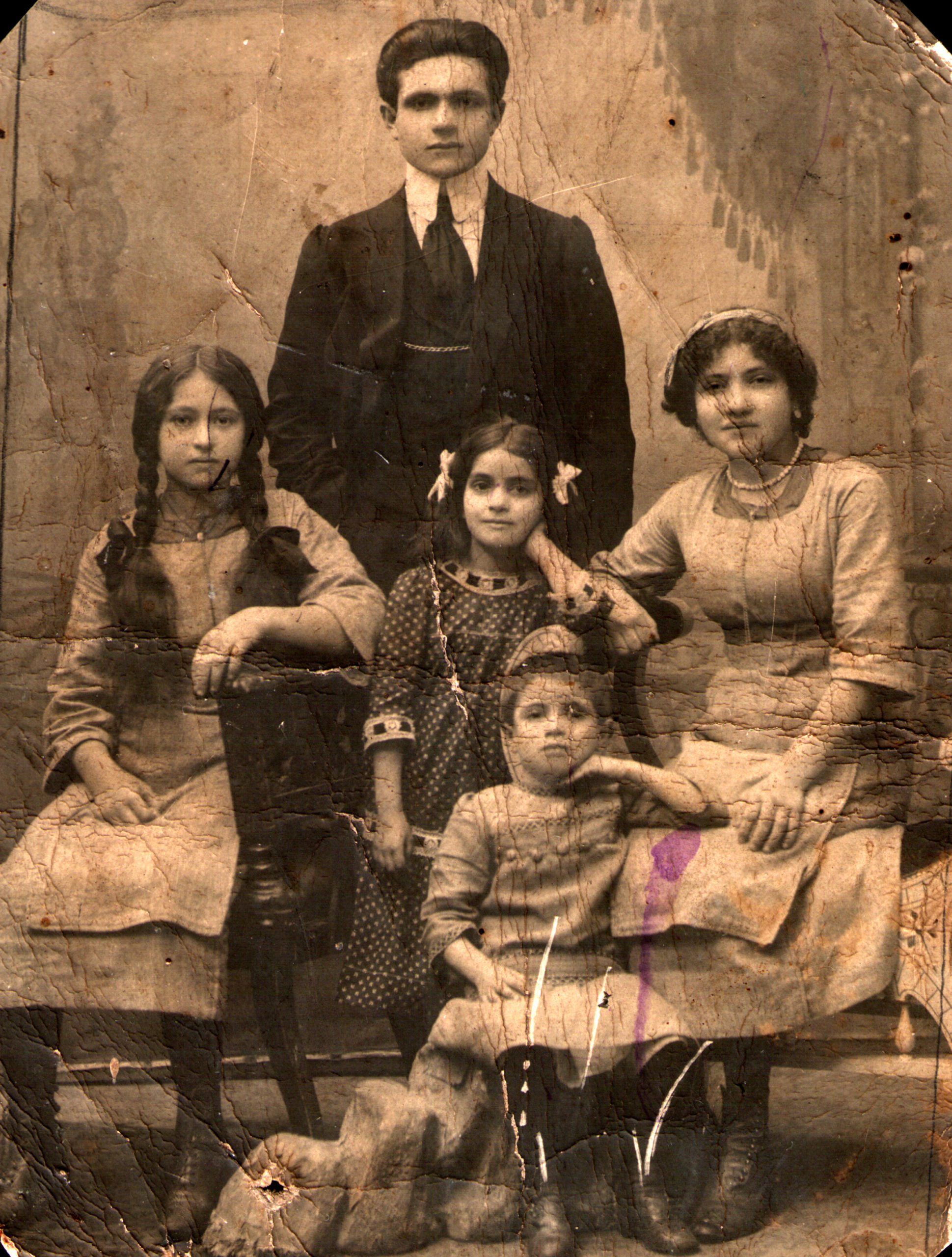 Moses Zelbert and his nieces