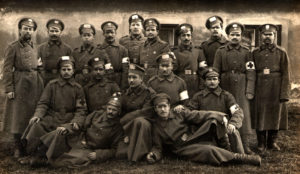 Moses Zelbert and the soldiers of the Russian army (Reichenberg 1915)