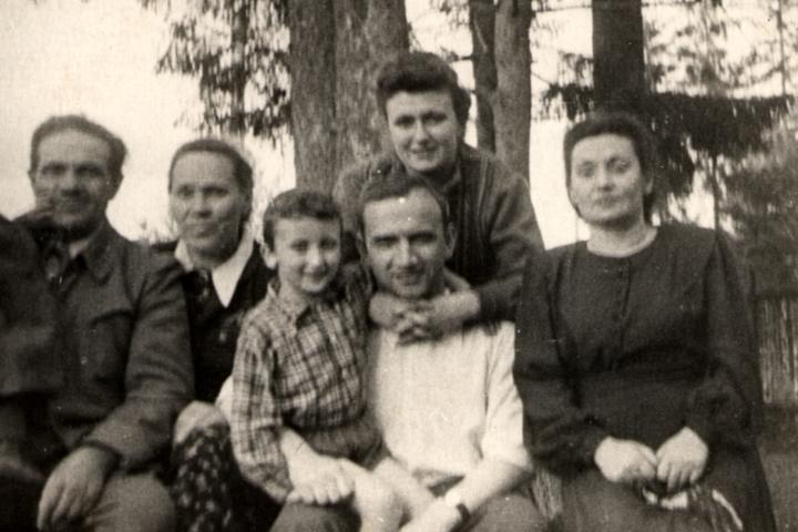 Berta Zelbert with her family