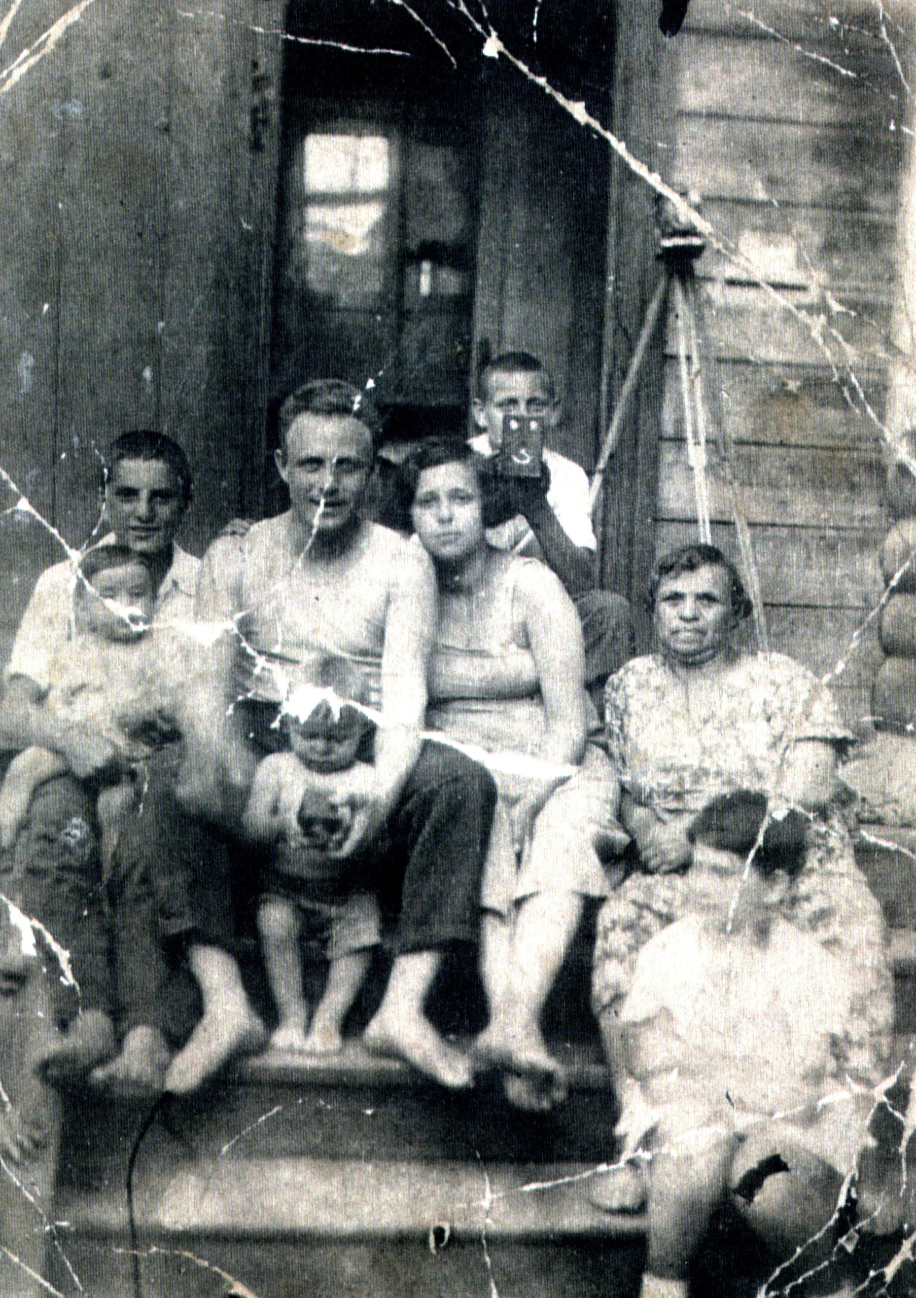 Efim Pisarenko, his brother Misha Pisarenko and their neighbors
