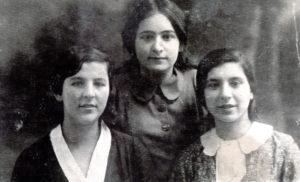 Efim Pisarenko's older sister Broha Shapiro and her school friends (Gomel 1935)