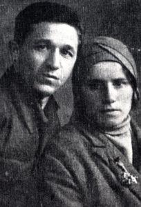 Efim Pisarenko's sister Lisa Muravina with her future husband Aron Muravin (Chernovtsy 1946)