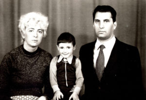 Efim Pisarenko with his second wife Inna Pisarenko and their son Ruvim Pisarenko (Chernovtsy 1981)