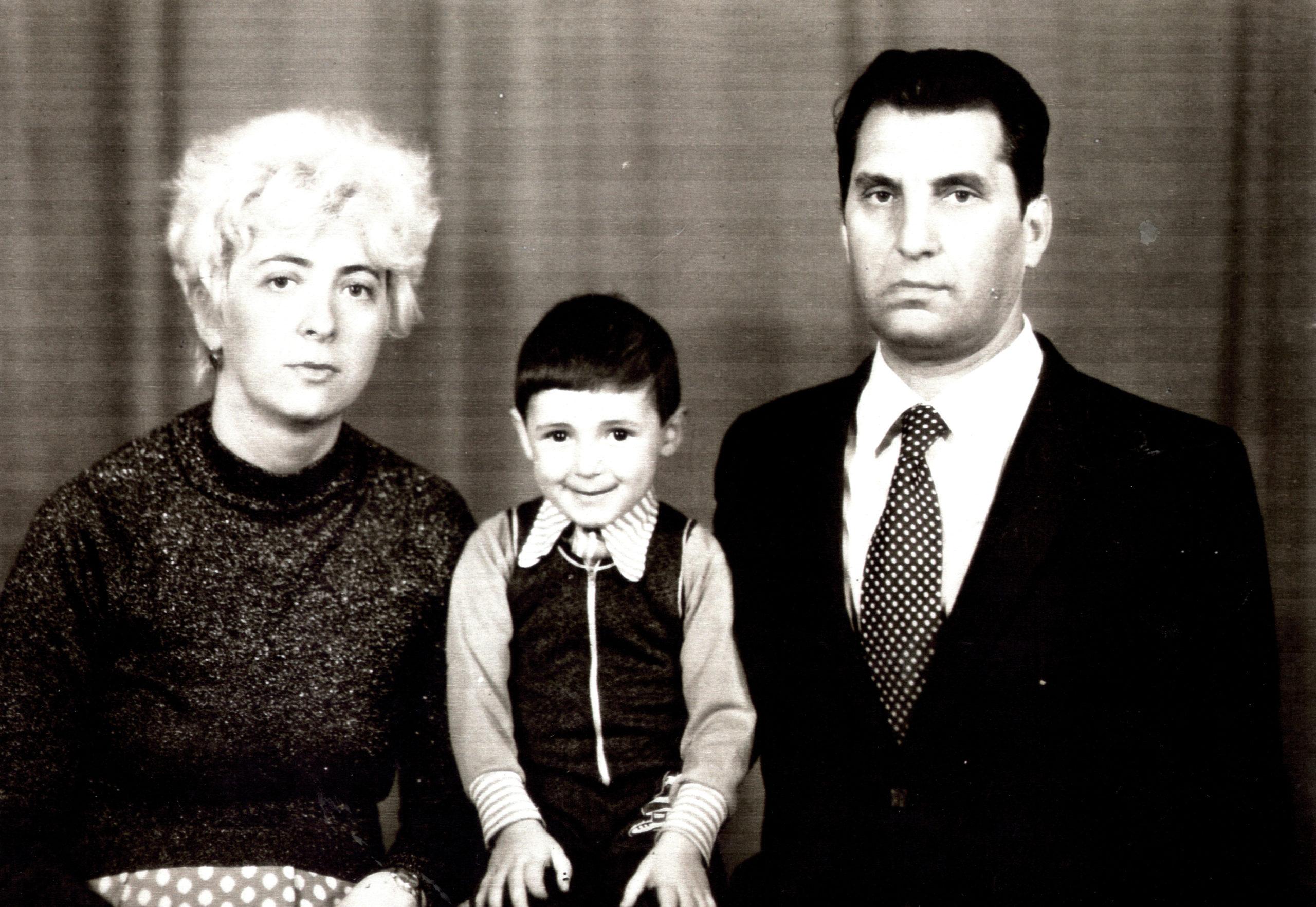 Efim Pisarenko with his second wife Inna Pisarenko and their son Ruvim Pisarenko